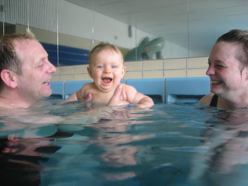 schwimmbad mainzer schwimmverein baby 3 12 monate. Black Bedroom Furniture Sets. Home Design Ideas